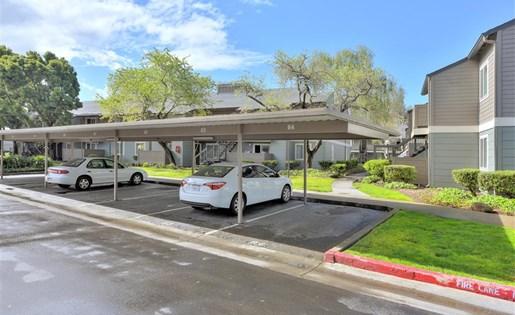 Carports at Sora Apartments in Union City CA