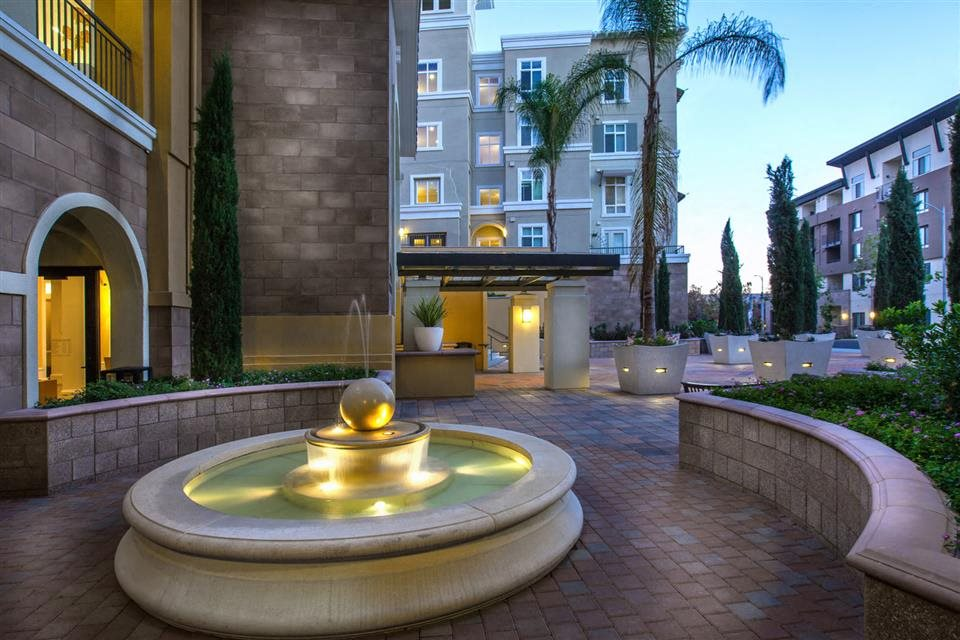 The Verdant Apartments outdoor fountain in San Jose, CA