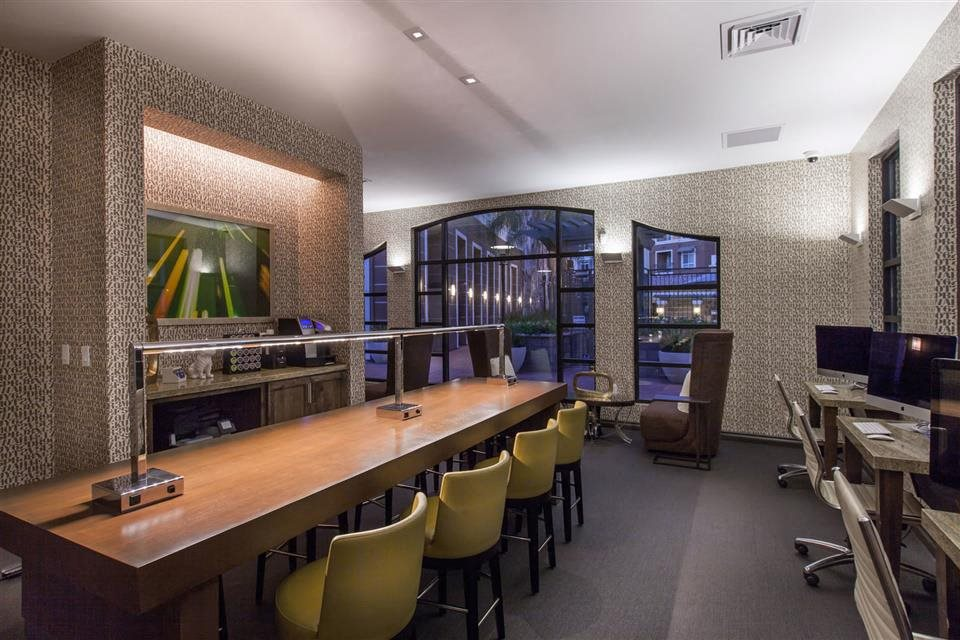 The Verdant Apartments Business lounge with tech bar in San Jose, CA
