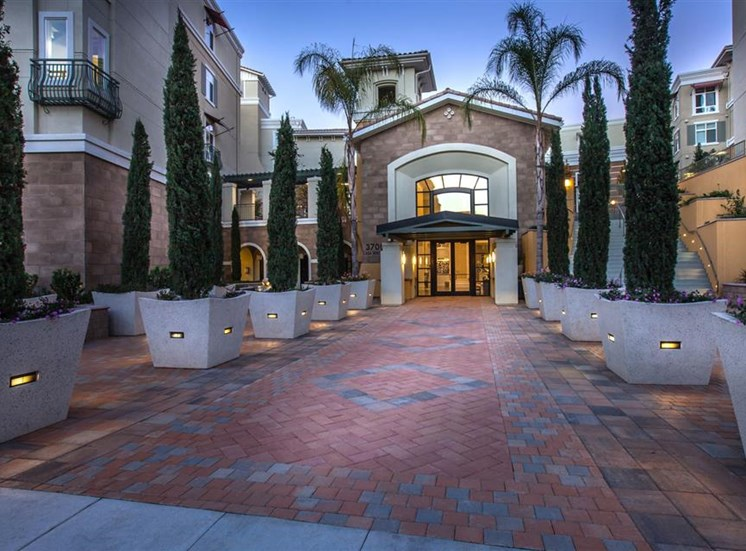 The Verdant Apartments leasing office entrance in San Jose, CA