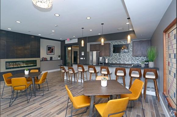 burlington station apartments 5100 forest avenue downers grove il rentcafe burlington station