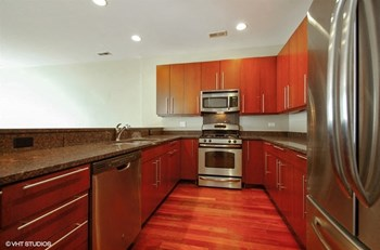 2357 W School Street 2-3 Beds Apartment for Rent Photo Gallery 1