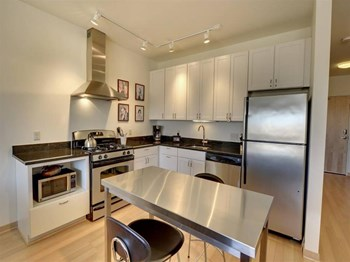 3021 Holmes Avenue South Studio-2 Beds Apartment for Rent Photo Gallery 1