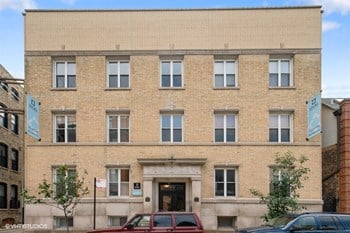 617 W Drummond 2 Beds Apartment for Rent Photo Gallery 1