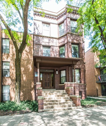 820 W Willow Street 2 Beds Apartment for Rent Photo Gallery 1
