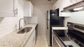 916 S Rome Avenue 1-2 Beds Apartment for Rent Photo Gallery 1