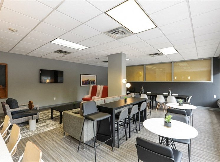 Resident Lounge with Lots of Seating