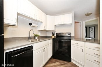 215 Oak Grove Street 1 Bed Apartment for Rent Photo Gallery 1