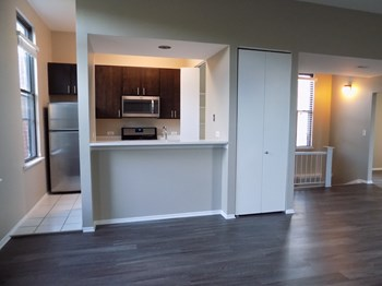 1732 N Dayton Street 1-2 Beds Apartment for Rent Photo Gallery 1