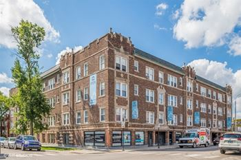 3935 W Diversey Studio-1 Bed Apartment for Rent Photo Gallery 1