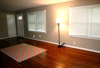 3335 Old Montgomery Highway 1-3 Beds Apartment for Rent Photo Gallery 1