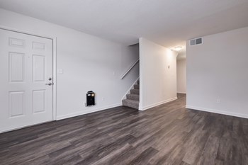 422-A Oak Manor Drive 1-3 Beds Apartment for Rent Photo Gallery 1