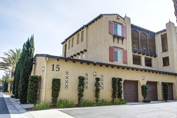 2290 Mackenzie Creek Road 1-2 Beds Apartment for Rent Photo Gallery 1