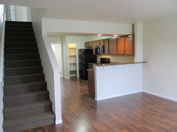 801 Barrett St & 1417 8th Ave N 2-3 Beds Apartment for Rent Photo Gallery 1