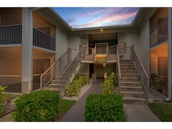 2 Bedroom Apartments For Rent In The Belmont Courtyards Of Broward