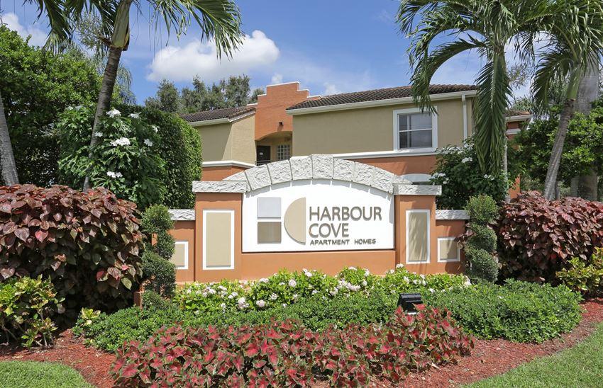 Harbour Cove front entrance monument sign