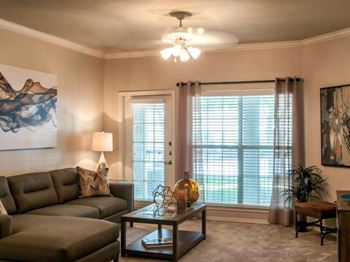 1540 West Bitters Road 1-3 Beds Apartment for Rent Photo Gallery 1
