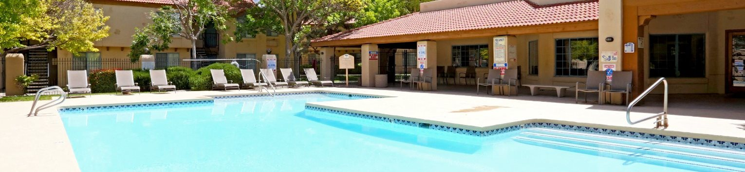 Pool & pool patio at Cinnamon Tree Apartments in Albuquerque, MN