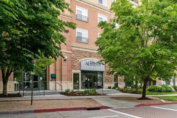 135 500 W. 1-2 Beds Apartment for Rent Photo Gallery 1