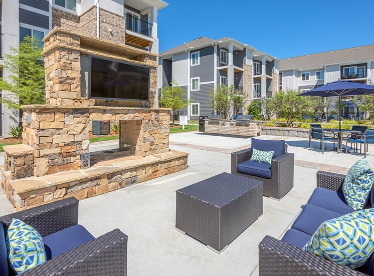 Courtyard With Ample Sitting at The Haven at Rivergate, Charlotte