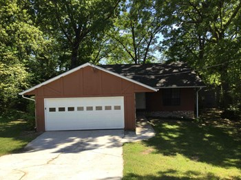 2673 Stoneview Ct NW 3 Beds House for Rent Photo Gallery 1