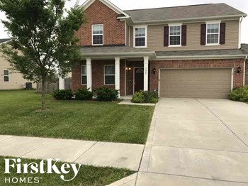 5625 W Glenview Dr 4 Beds House for Rent Photo Gallery 1