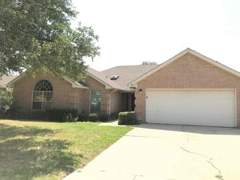 1417 Highland Dr 4 Beds House for Rent Photo Gallery 1