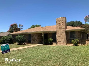 1841 College Pkwy 4 Beds House for Rent Photo Gallery 1