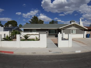 321 Redstone St 5 Beds House for Rent Photo Gallery 1