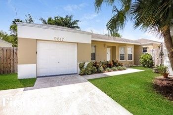 9817 SW 222 Ter 3 Beds House for Rent Photo Gallery 1