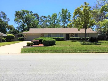 304 Valley Drive 4 Beds House for Rent Photo Gallery 1