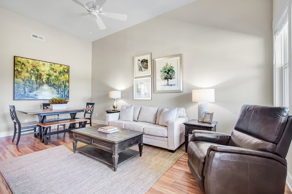 Luxury Three Bedroom Townhomes in Wilmington NC - Myrtle Landing Living Room