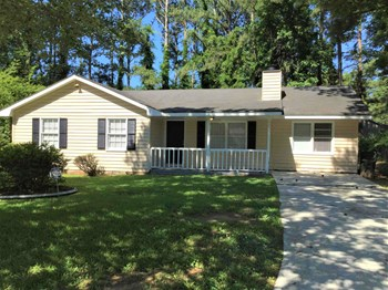 9166 Bent Pine Ct Ne 4 Beds House for Rent Photo Gallery 1