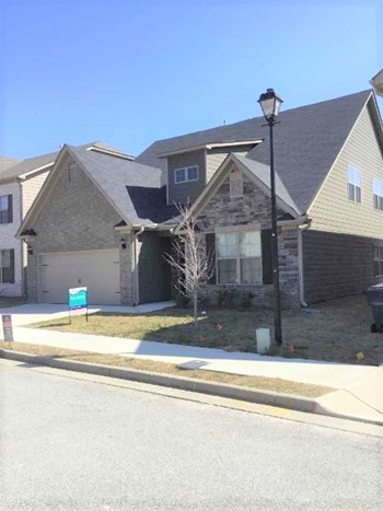 7610 Crawford Ct 4 Beds House for Rent Photo Gallery 1