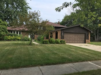 135 Boulder Ct 3 Beds House for Rent Photo Gallery 1