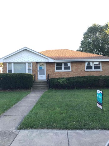 751 E 163rd Pl 3 Beds House for Rent Photo Gallery 1