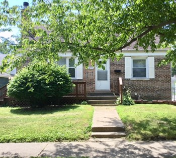 2745 179th St 3 Beds House for Rent Photo Gallery 1