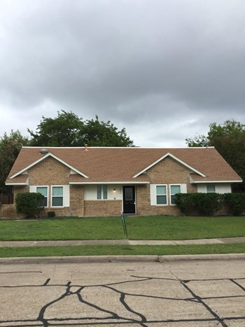 517 Caravaca Drive 4 Beds House for Rent Photo Gallery 1