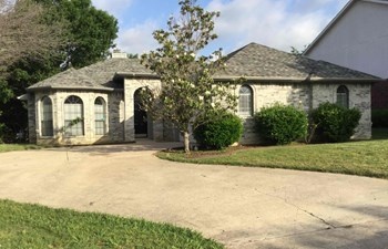 701 Long Hill Ct 3 Beds House for Rent Photo Gallery 1