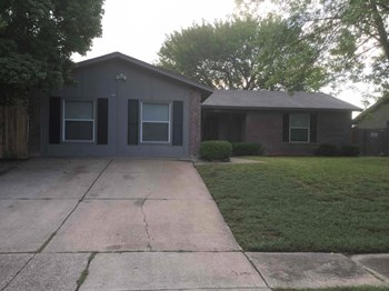 1566 Willowbrook St 3 Beds House for Rent Photo Gallery 1