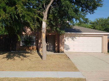 2301 Lookout Ln 4 Beds House for Rent Photo Gallery 1