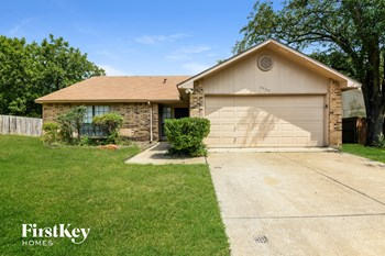 2540 Chinaberry Dr 3 Beds House for Rent Photo Gallery 1
