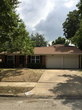 3202 Griffiths Dr 4 Beds House for Rent Photo Gallery 1