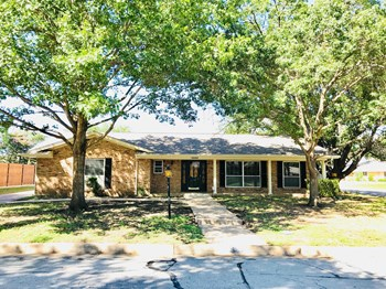 4300 Barcelona Dr 3 Beds House for Rent Photo Gallery 1