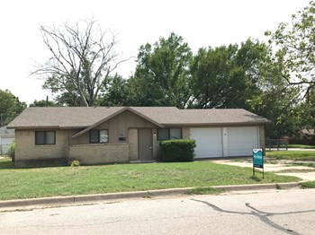4416 Gary Dr 3 Beds House for Rent Photo Gallery 1