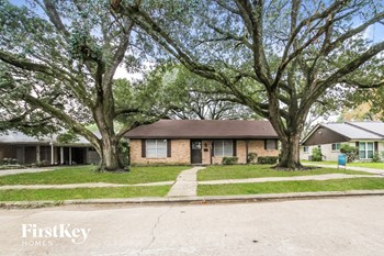 8122 Garden Parks Dr 3 Beds House for Rent Photo Gallery 1
