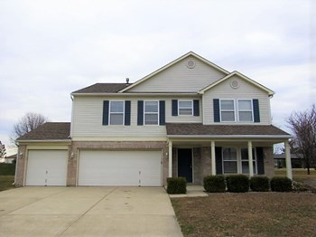 5943 N Quincy Dr 3 Beds House for Rent Photo Gallery 1