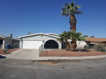 3545 Ruth Drive 4 Beds House for Rent Photo Gallery 1