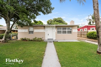 1217 S D ST 3 Beds House for Rent Photo Gallery 1