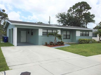 3150 SW 21 ST 4 Beds House for Rent Photo Gallery 1